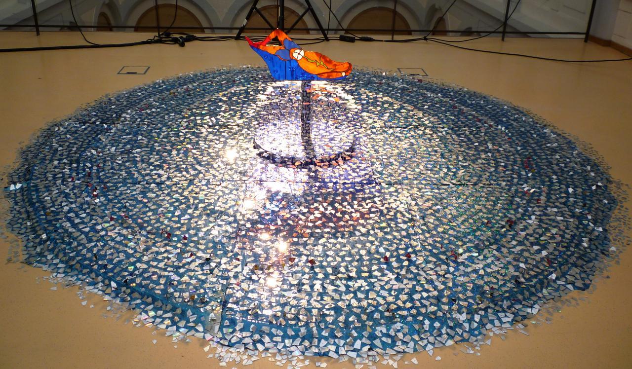 Fontaine miroitante avec Nu Allongé au Nénuphare