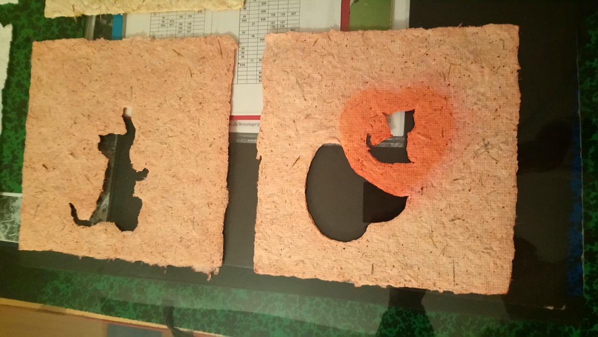 Papiers de Lin et Chanvre Rosé avec formes de Chat, tiges de lavande