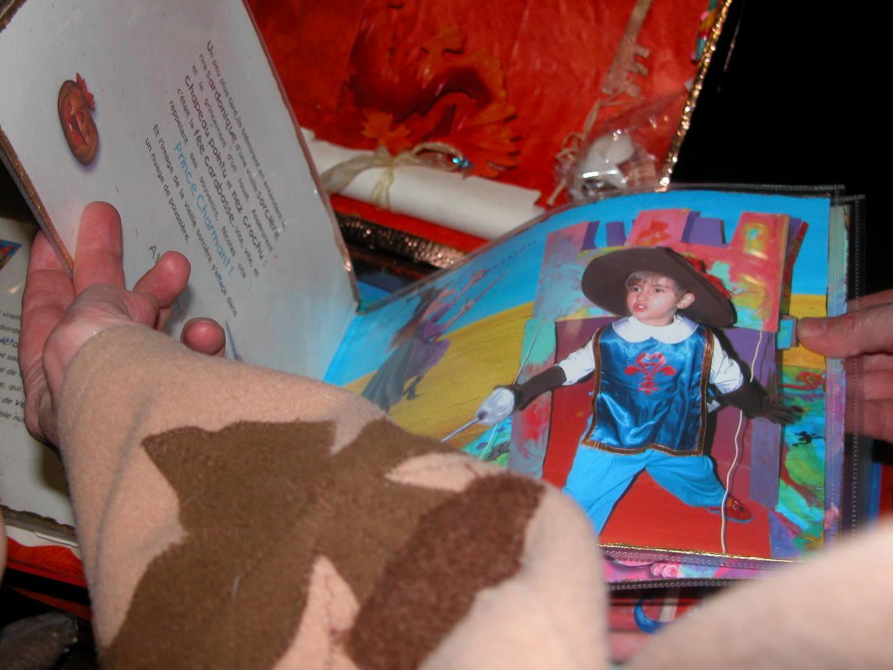 """Le livre de  """"l' île aux Pirates """"  ( création unique pour enfant )"""
