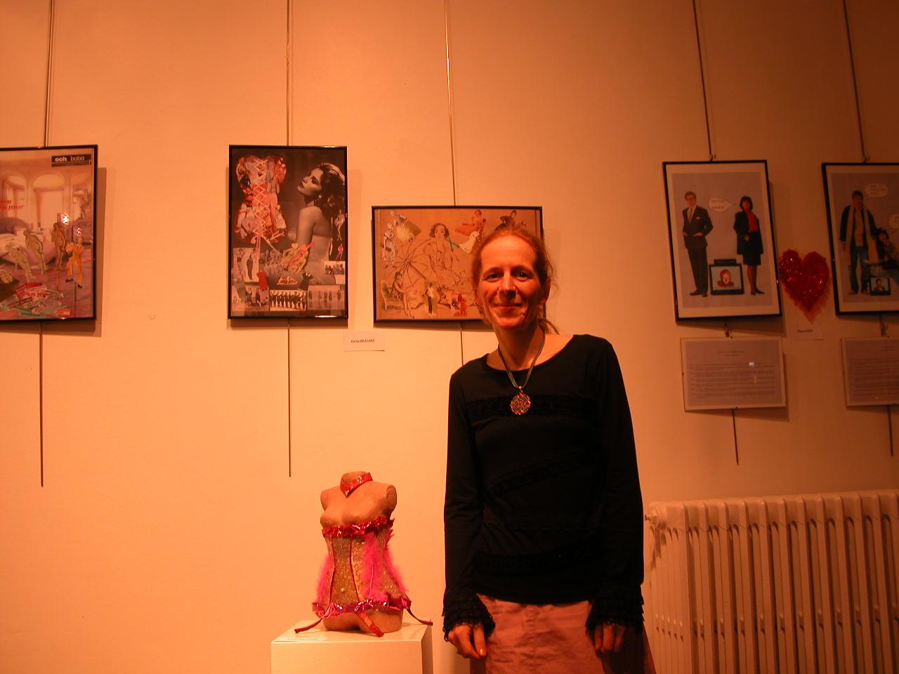 Karine vous présente son buste habillé + 2 tableaux