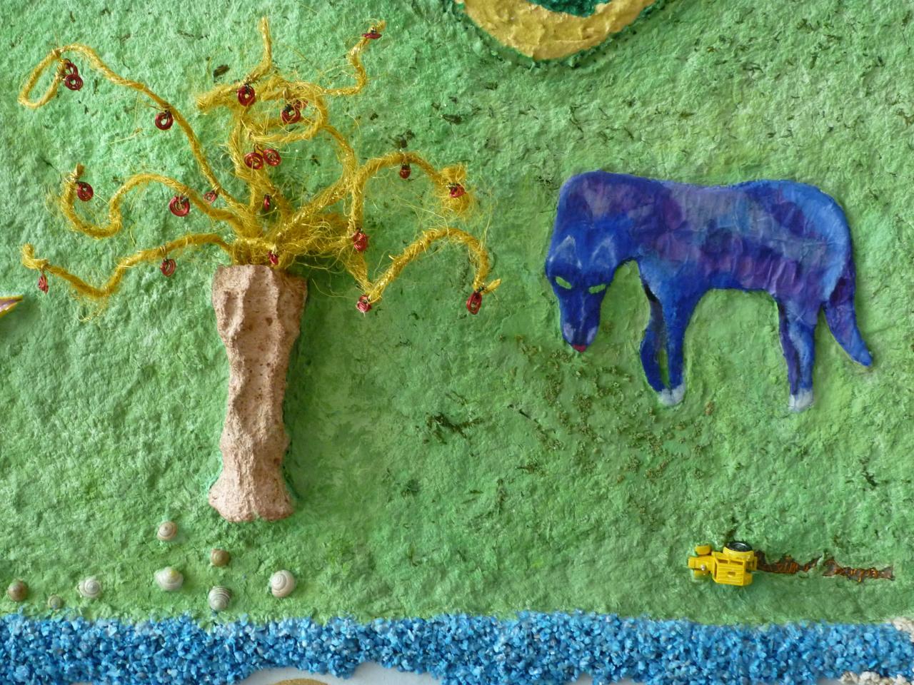 Cerisier-Nymphe (moulage en papier de lin), et Cheval Bleu