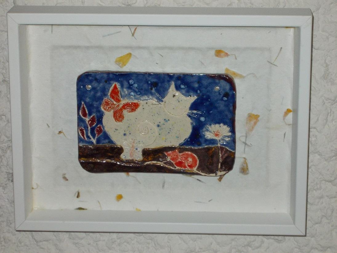 Tableau émaillé Chatte blanche et chaton rouge