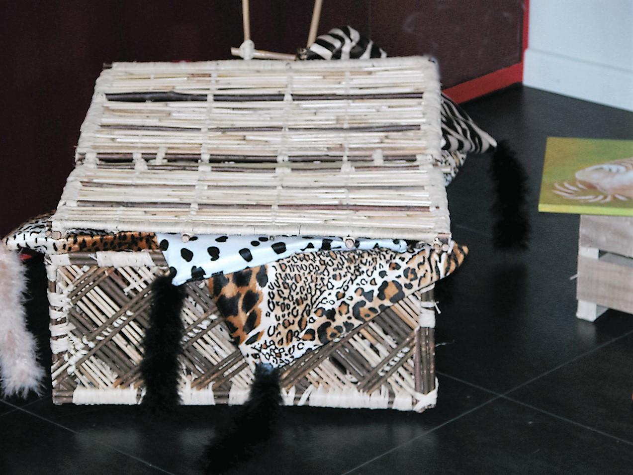 Valise aux Chats en roseaux et ses pochettes de voyage